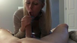Porno mobile con la bionda che lo ciuccia