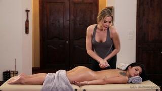 Massaggio sessuale tra donne hot