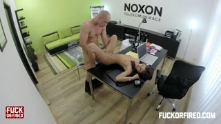 Scopata in ufficio ripreso da telecamere di sorveglianza