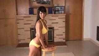 Foto porno con la sexy modella di colore