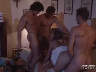 Porno classico con una bella ammucchiata