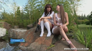 Scene porno sul set con due lesbiche che godono insieme