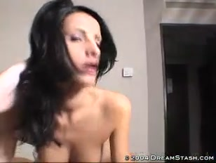 Moglie porno si fa scopare forte