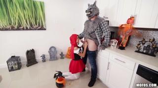 Il lupo ama moltissimo Cappuccetto