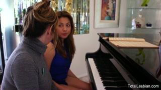 Lezioni di pianoforte un po´ particolari