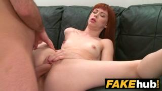 Casting porno con a rossa culona