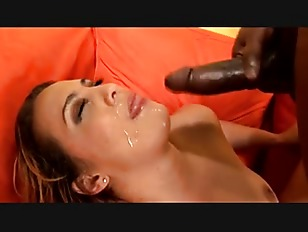 Una bella scopata sensuale tra il cioccolatino e la bionda