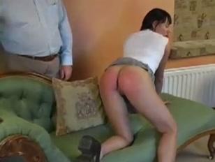lei ama i porno vecchi che la sculacciano e le fanno male