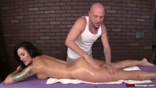 Massaggio sexy per una ciucca cazzi super come lei