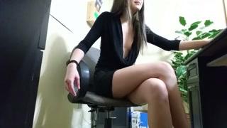 Porno ufficio con la bella segretaria