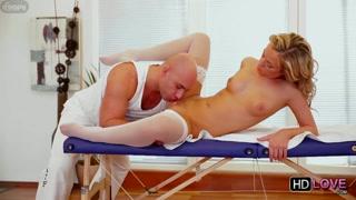Leccata di figa con massaggio e la milf gode