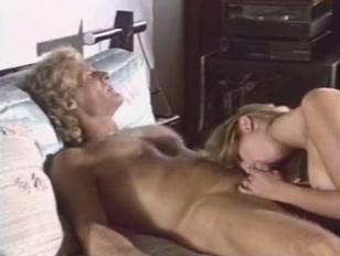 Porno vintage con succhiate e scopata