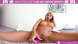 Porno mobile con la troia che si masturba in spaccata