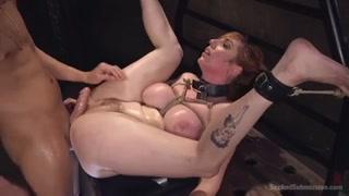 Bondage arrapante per la bionda