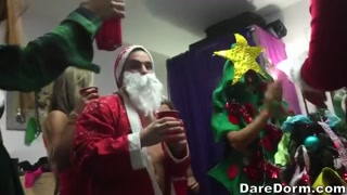 Party di natale hot in dormitorio