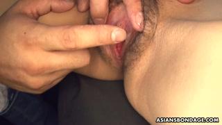 Figa pelosa da masturbare per la giapponese