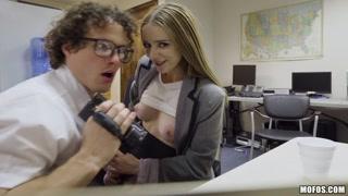 Filmini porno con telecamera e bionda consenziente