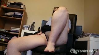Porno amatoriale con la troia che si tocca
