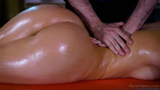 Massaggio porno con una donna bellissima