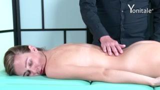 Puttana bionda ama il massaggio