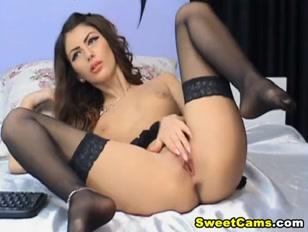 ragazze porche si masturbano a gambe spalancate