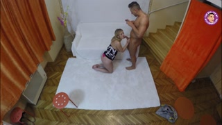Sesso casalingo con guardone