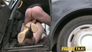 Pompin gratis per non pagare il taxi