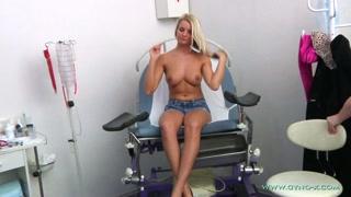 Porno ragazze come la bionda a una sexy visita medica