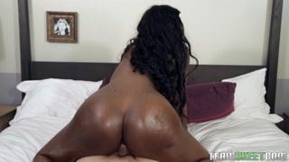 Porno nera bella e abbondante