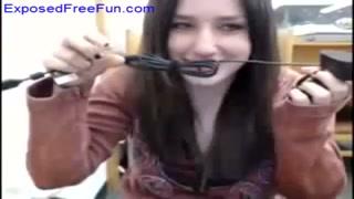 Una bella ragazza si masturba in webcam e gode tanto