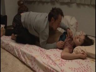 Trombare con la moglie giapponese mentre dorme