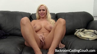 Casting porno con una bionda sexy