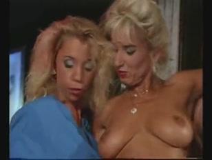 Porno vintage tante troie che scopano e prendono  la sborra