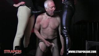 Anziano costretto all´umiliazione