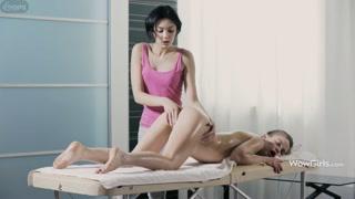 Massaggio lesbo e figa morbida