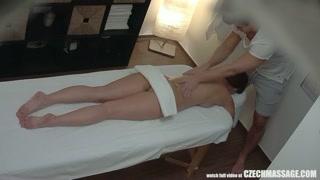 Trombare al centro estetico dopo un massaggio