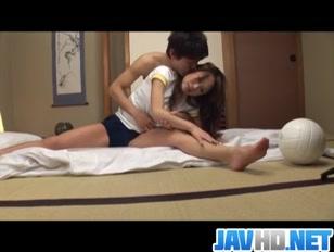 Porno giapponese con chiavata nella fica pelosa