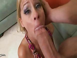 Madre matura sodomizzata da un giovane ragazzo
